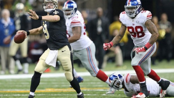 Drew Brees throwing 7 TDs versus the Giants on Nov 1, 2015
